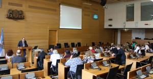 Diakonikonferenz in Riga: Bernd Hannemann (Diakonisches Werk Schleswig-Holstein) trägt vor