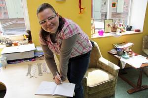 Agrita Suba arbeitet seit vier Monaten im Domino-Markt auf einem geförderten Arbeitsplatz
