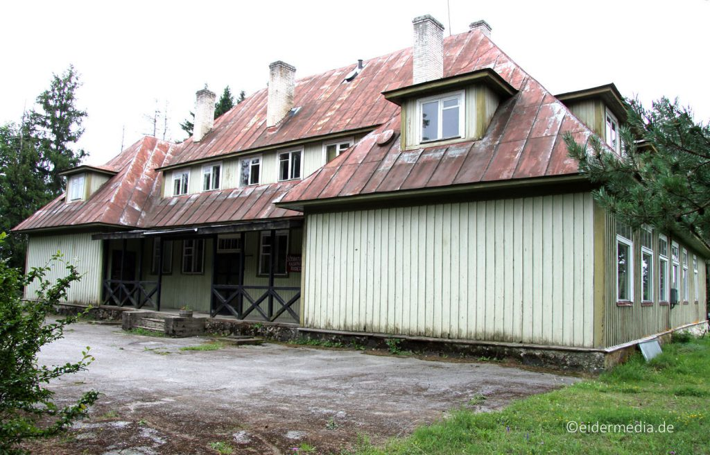 "Die ""Alte Schule"" von Harju-Risti."